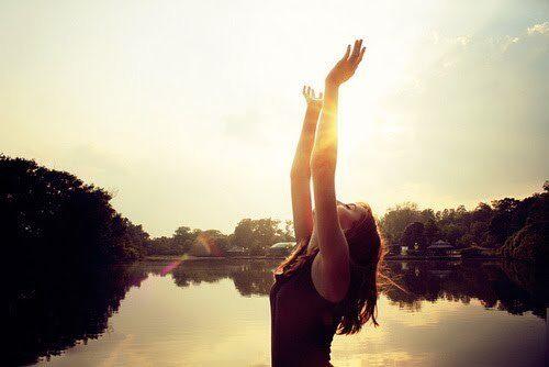 beautiful-girl-nature-sky-sun-favim-com-307060-6144736