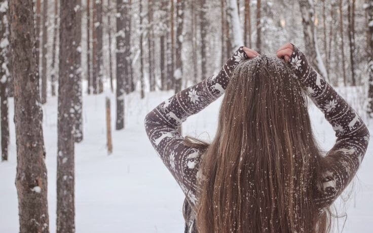 46074-snow-covered-hair-8321720